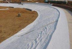 复合土工膜具备平面排水